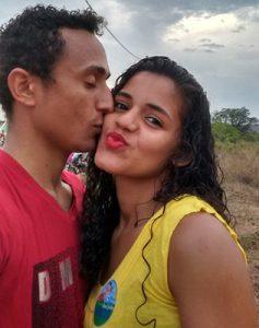 beijo-do-casal-mozim
